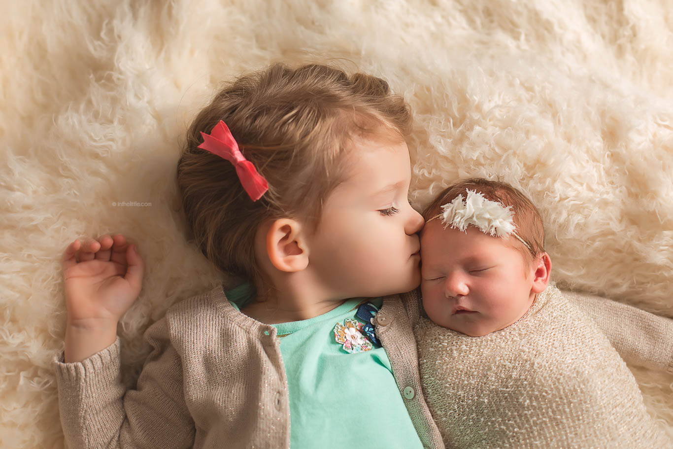 Newborn Baby Sibling Pose Photo Ideas St. Louis MO