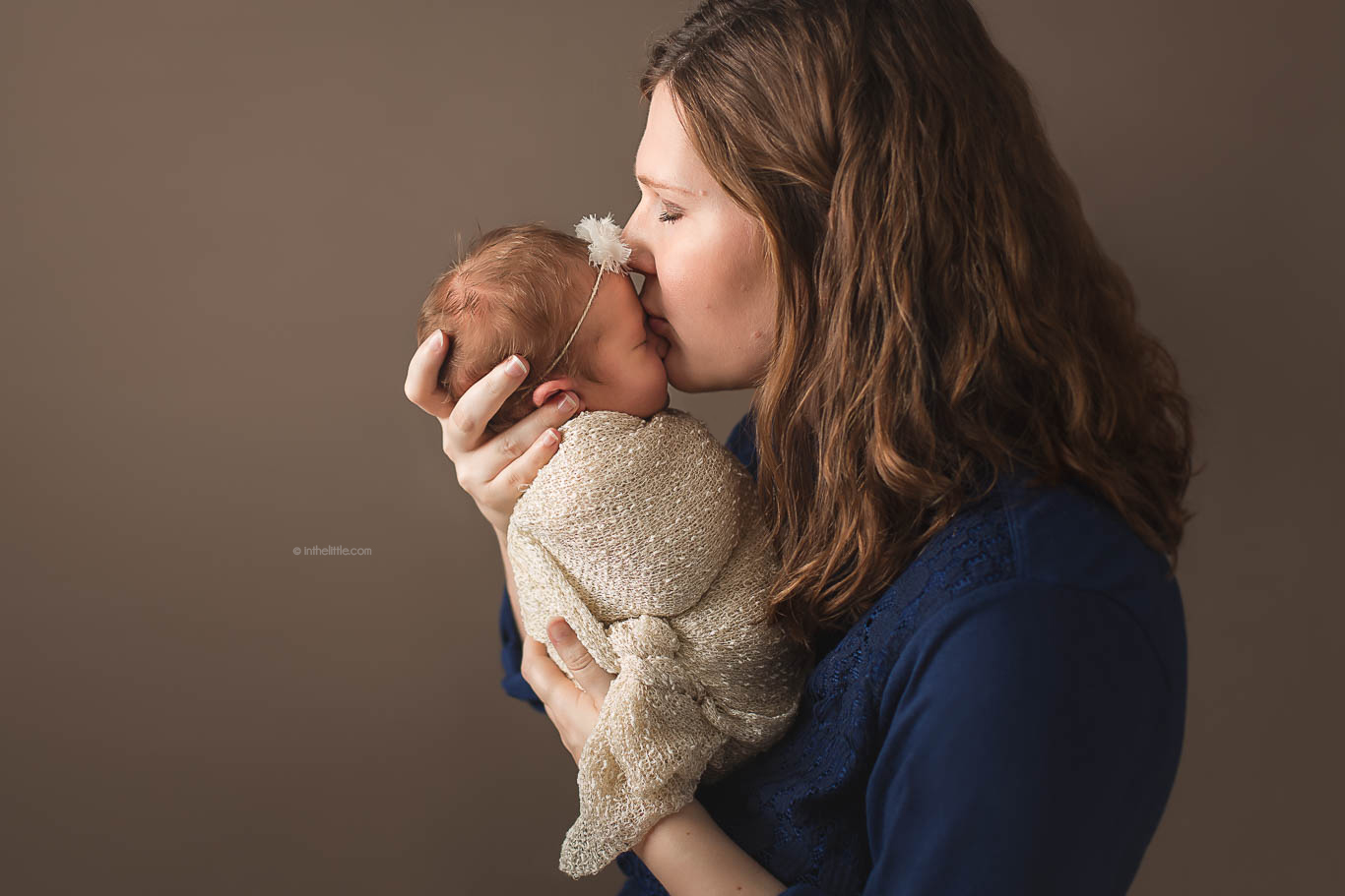 Newborn Baby Mommy Poses Ideas St. Louis MO